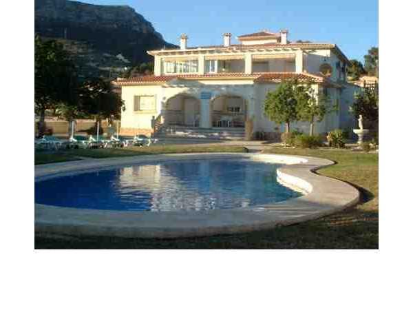 ferienwohnung 39 bungalows canada 39 calpe costa blanca valencia spanien. Black Bedroom Furniture Sets. Home Design Ideas