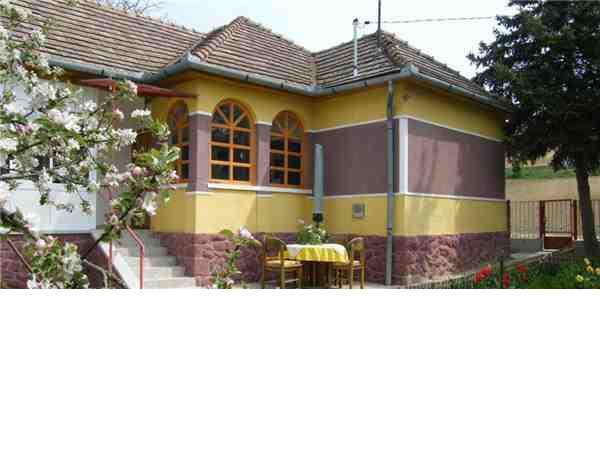 ferienhaus 39 waldhof 39 d br k z transdanubien tolna ungarn. Black Bedroom Furniture Sets. Home Design Ideas