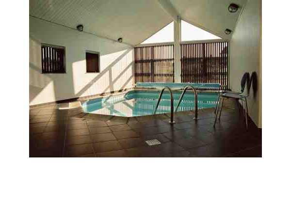 ferienhaus 39 luxusferienhaus mit pool und spa 39 ebeltoft djursland ostj tland d nemark. Black Bedroom Furniture Sets. Home Design Ideas